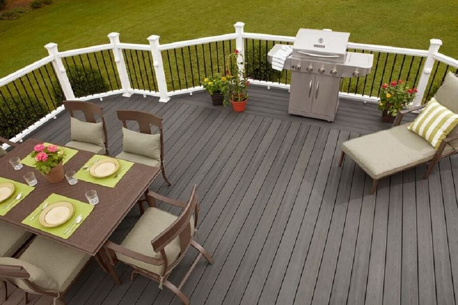 Can wood plastic composite flooring be used for balconies