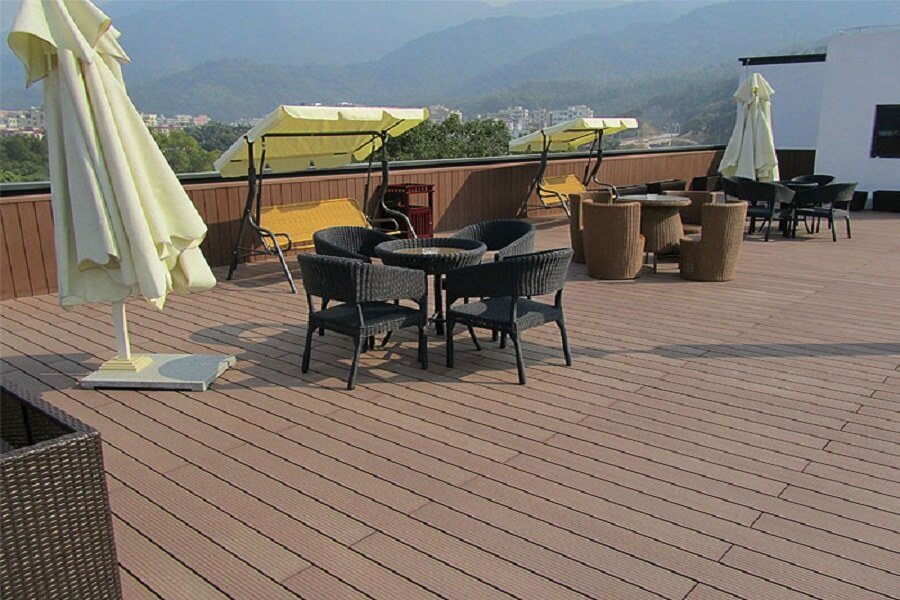Is plastic wood composite flooring better than ordinary pure wood flooring