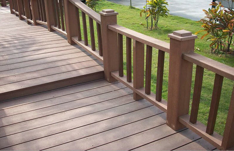 Plastic wood composite guardrail creates a comfortable living