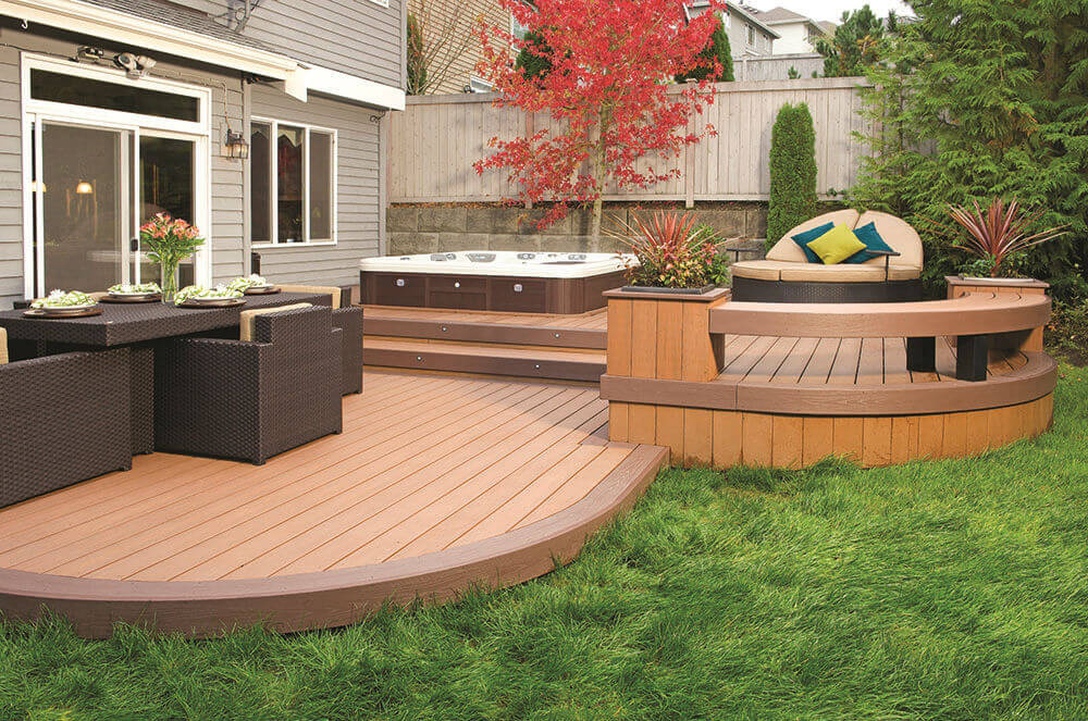 Plastic wood compositeflooring makes the garden more exciting