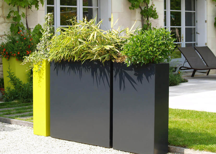 Plastic Wood Flower Box Or Anticorrosive Wood Flower Box Which Is Better